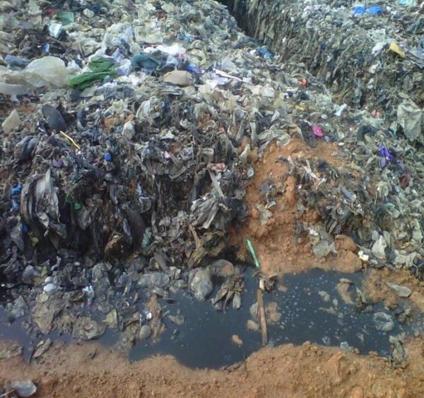 Landfill leachates treatment with vacuum evaporators